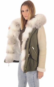 Manteau à capuche en fourrure