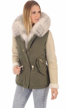 Manteau à capuche en fourrure1