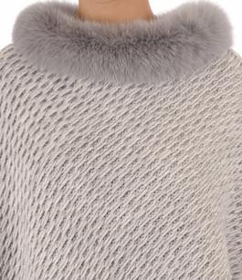 Poncho laine et renard gris clair Lea Clement