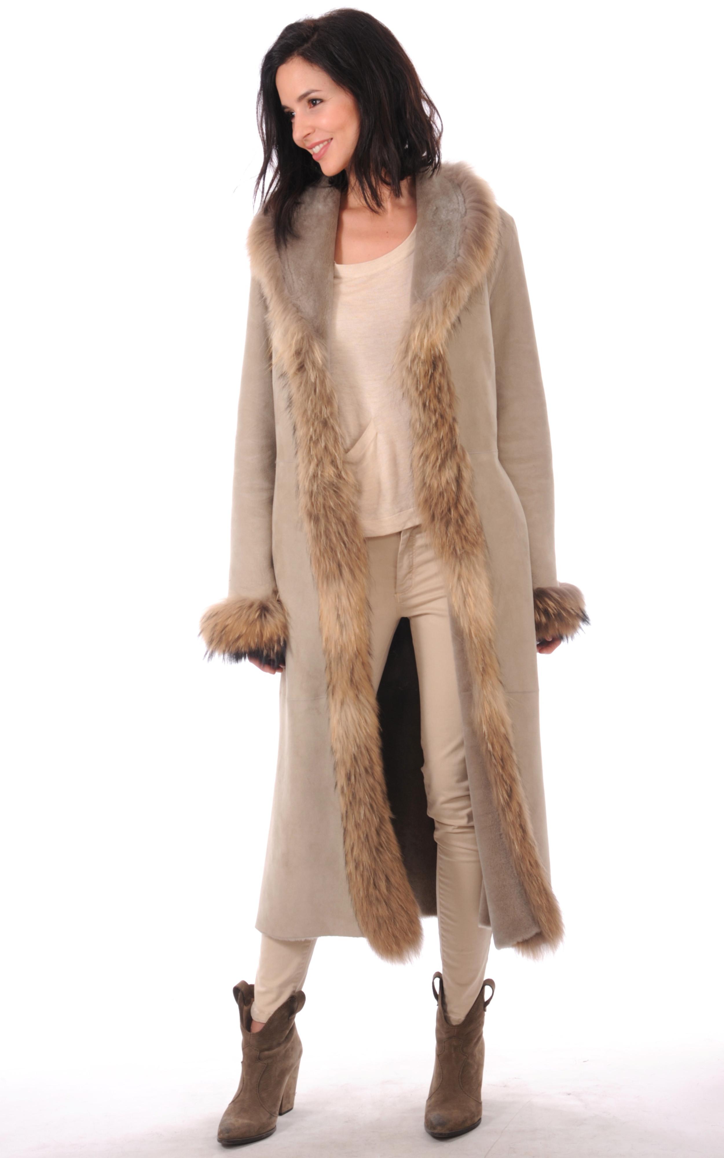 manteau long bord fourrure femme la canadienne la canadienne manteau 7 8 peau lain e beige. Black Bedroom Furniture Sets. Home Design Ideas