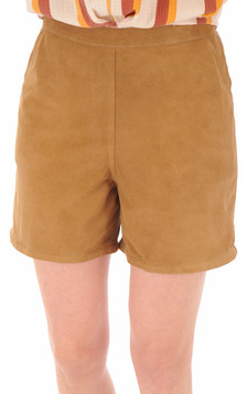 Short chèvre velours camel