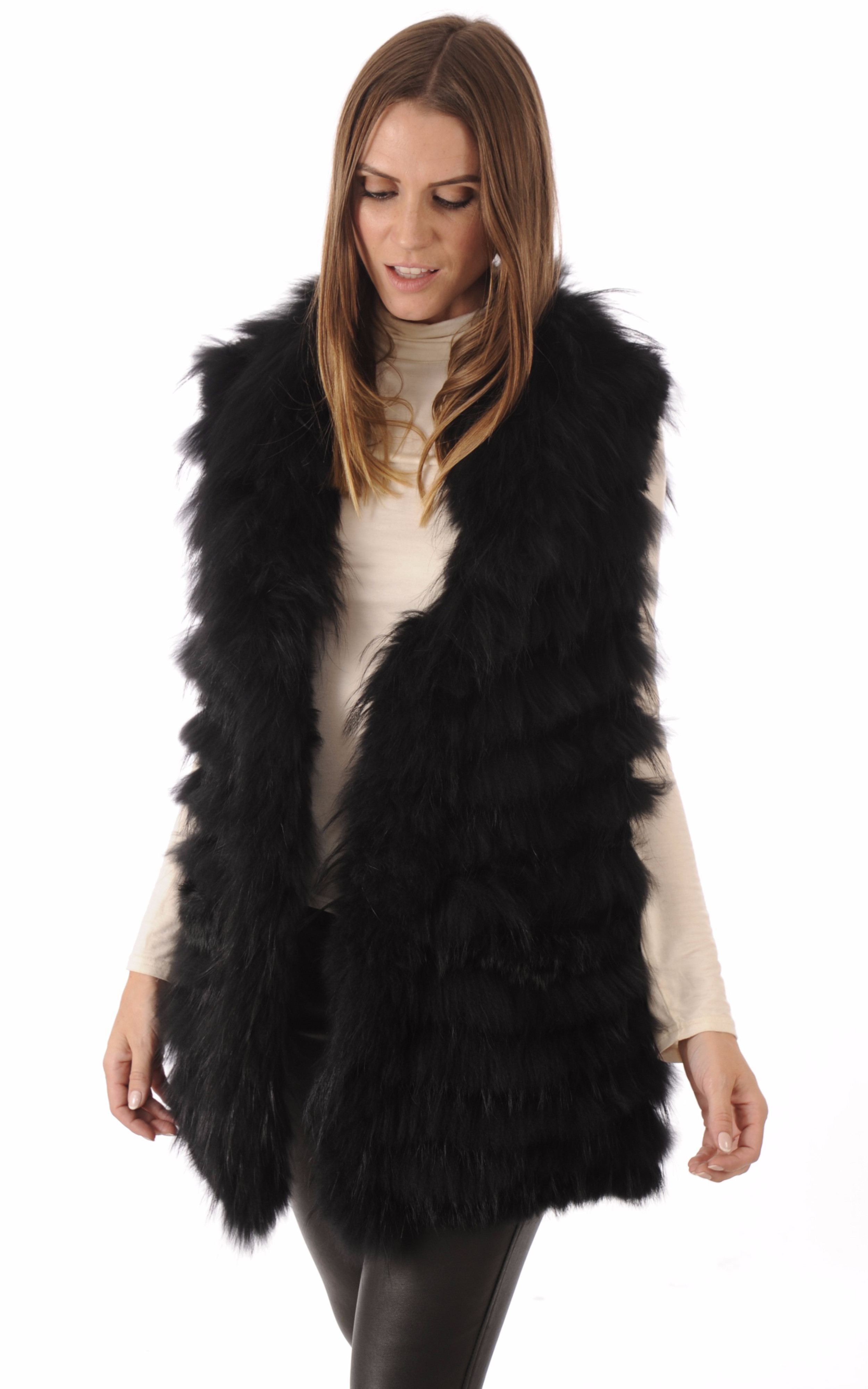 gilet fourrure lapin et raccoon noir oakwood la canadienne gilet poncho cape fourrure noir. Black Bedroom Furniture Sets. Home Design Ideas