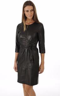 Robe Chic en Cuir Noir Avec Ceinture1