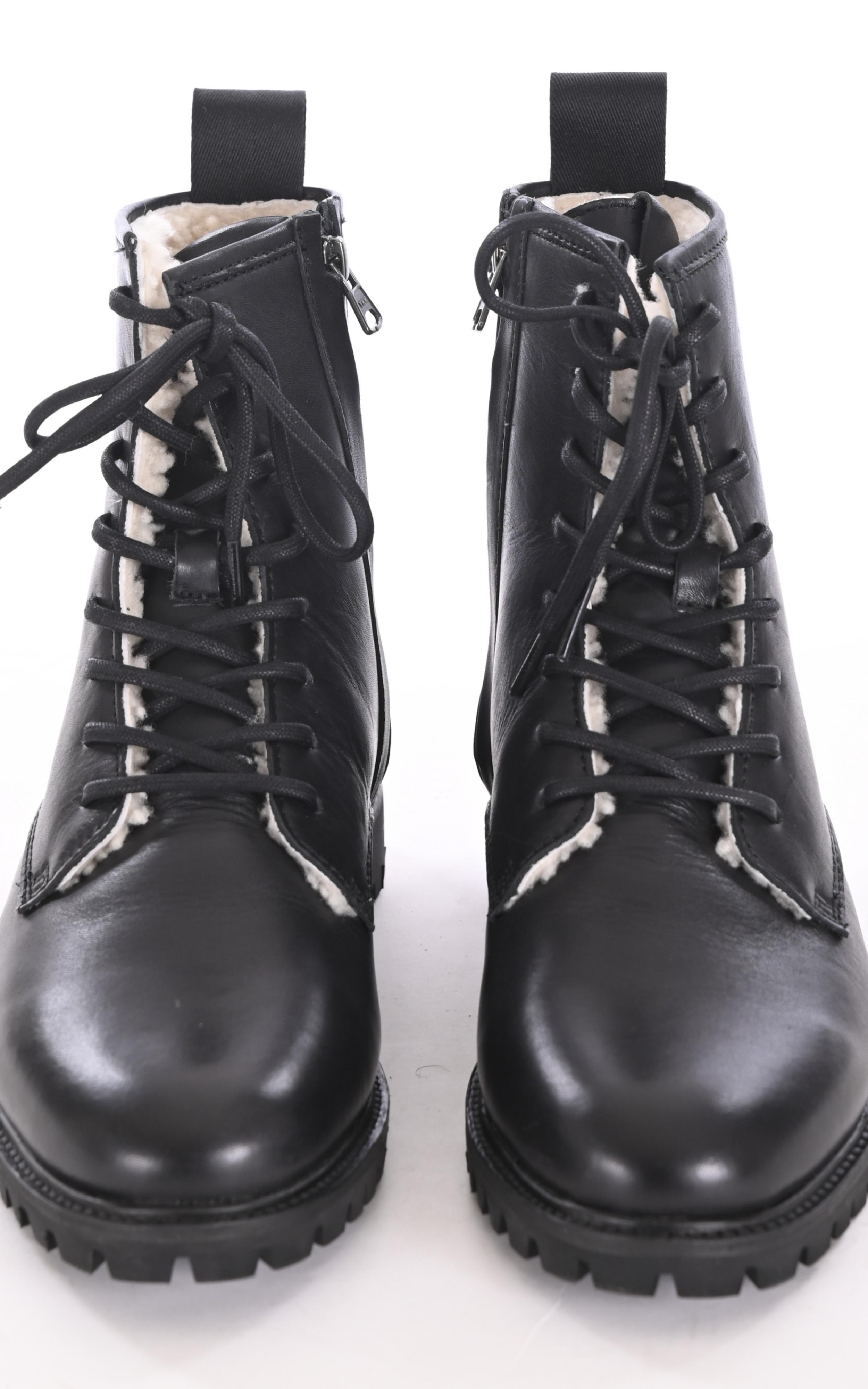 Boots en cuir mouton noires Blackstone