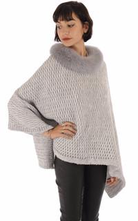 Poncho laine et renard gris clair