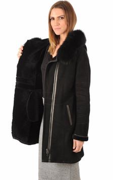Peau lainée bordée renard noir