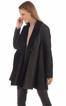 Veste en peau lainée marron foncé