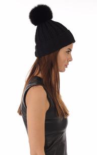 Bonnet en Maille et Fourrure Noir1