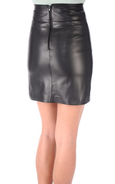 Jupe courte cuir noir