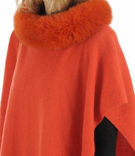 Poncho cachemire et renard orange Lea Clement