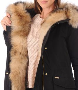 parka femme woolrich capuche bord e fourrure la canadienne. Black Bedroom Furniture Sets. Home Design Ideas